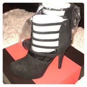 *NEW* G by Guess Shoes ~ Grecko Black Booties